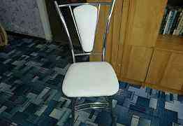 табуретки. стулья. столы. кухонные уголки