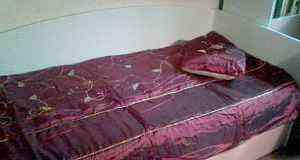 Покрывало на 1.5-сп. кровать новое+ шторы