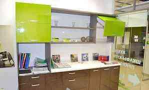 Кухонный гарнитур с экспозиции новый