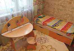комплект детской мебели, б/у, до 8 лет
