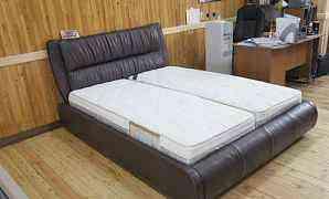 Кровати кожаные по индивидуальной цветовой гамме
