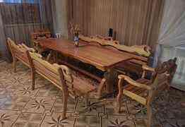 Эксклюзивный деревянный стол с диванами-креслами