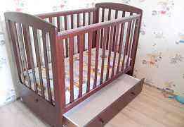 Детская кроватка c матрасом от 0 до 3 лет