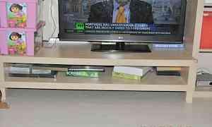 Полки и стеллажи под телевизор и книги