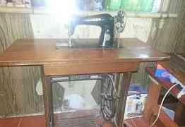 Ножная швейная машинка Singer