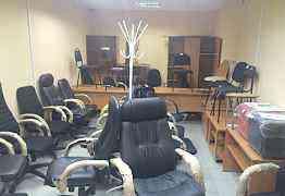Шкафы офисные и одежные, столы, кресла, стулья