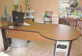 Компьютерный стол для офиса