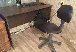 Письменный стол и стул
