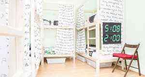 Двухъярусная кровать деревянная с матрасом