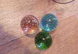 Люстра с цветными стеклянными шарами