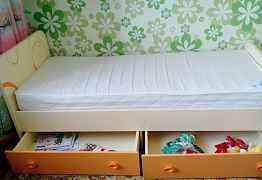 Кровать и шкаф в наборе детские