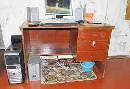 Письменный стол б/у