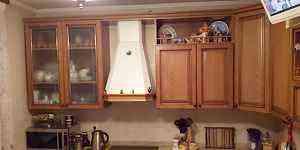 Кухонный гарнитур б/у массив