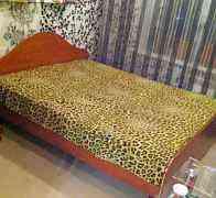Двуспальная кровать + 2 тумбочки