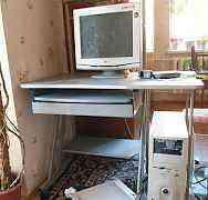 Компьютерный стол на колесиках б. у
