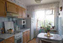 Кухонный гарнитур 7 модулей с вытяжкой сдоставкой