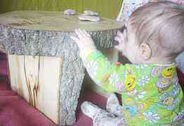 Столик из цельного дерева ручной работы