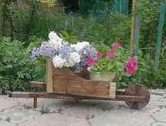 Декоративные подставки под цветы