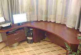 Редкий письменный стол