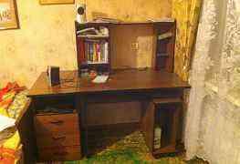 письменный стол для работы с Пк